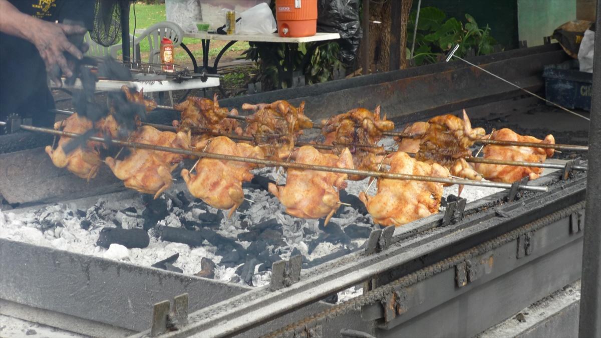 ノースショアの週末名物 Ray's Kiawe Broiled Chicken