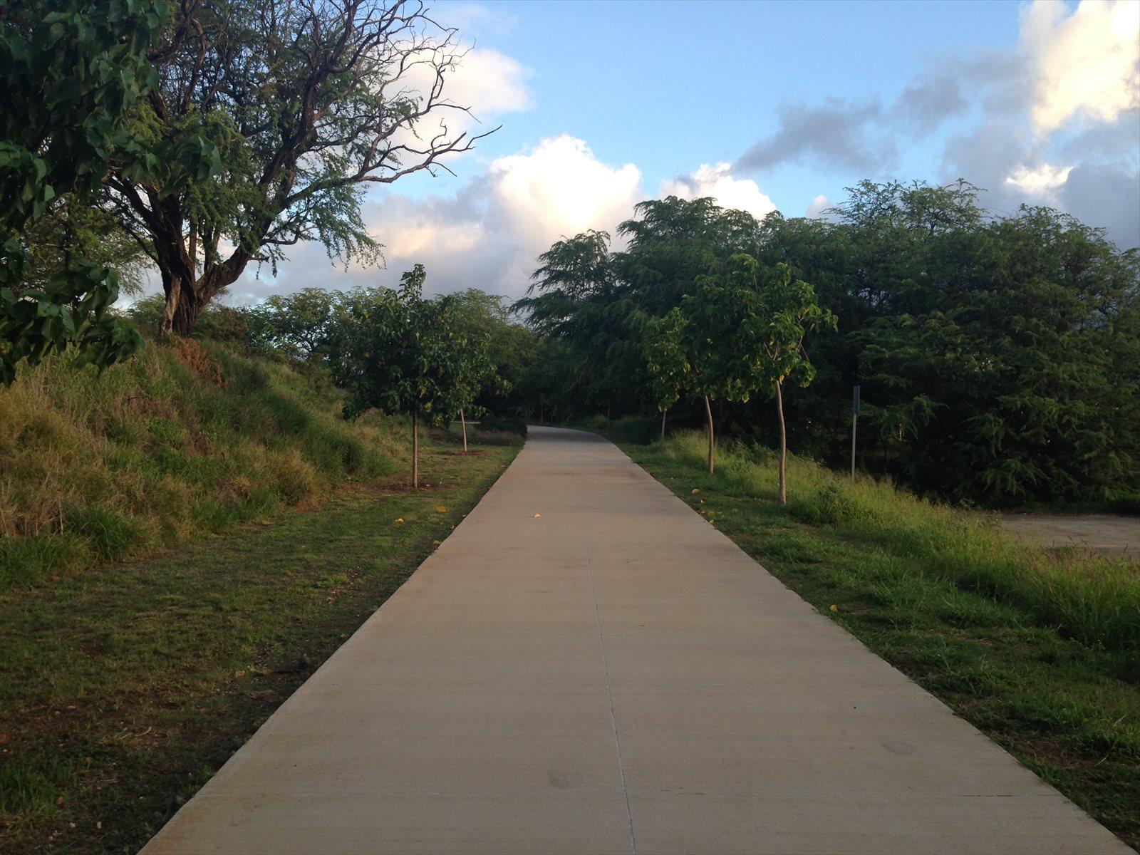 早朝のFort Rugar Pathwayをお散歩